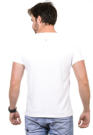 Camiseta Masculina Brisa do Mar na internet