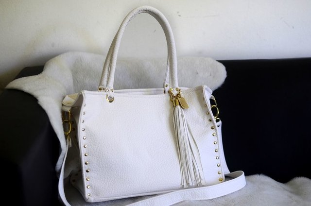 Cartera color blanco