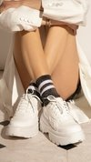 TOTAL WHITE SNEAKERS en internet