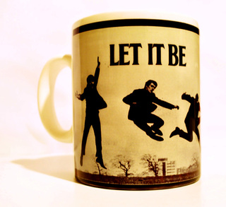 Taza Let It Be By AlmaZen de Objetos