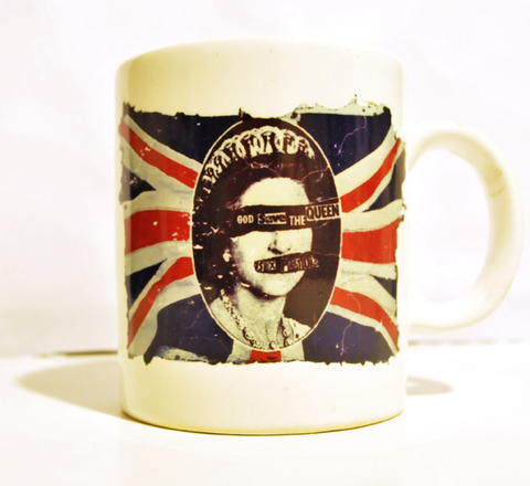 Taza God Save The Queen By AlmaZen de Objetos