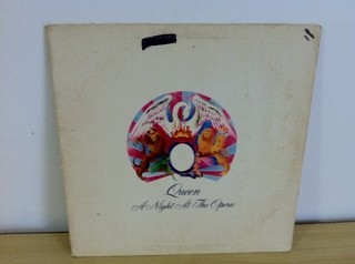 Queen - A Night At The Opera [LP]  - comprar online