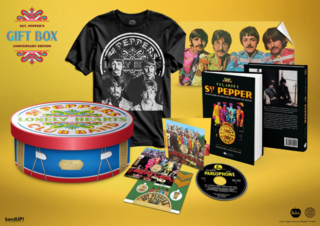 The Beatles - Gift Box Sgt. Pepper's Anniversary Edition [Box] - comprar online