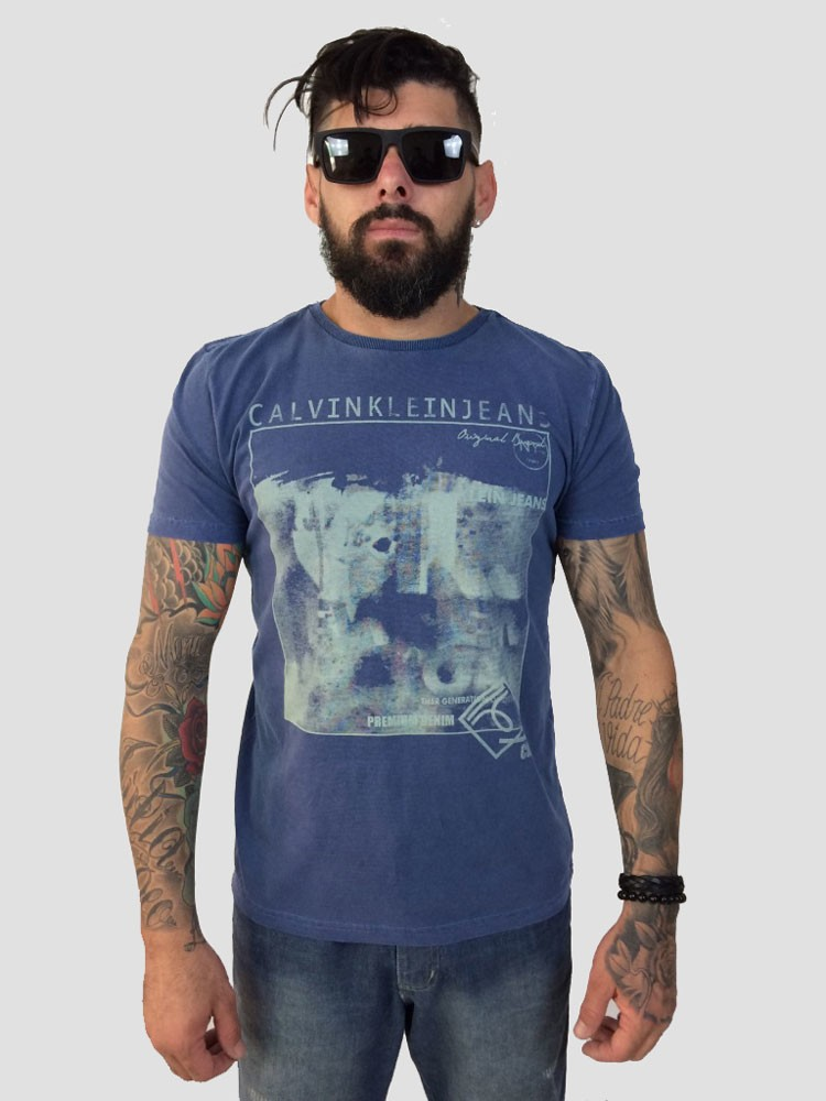 49f1ad0a34af2 Camiseta Masculina Calvin Klein Jeans azul
