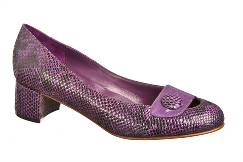 Purple Kelly Pumps na internet