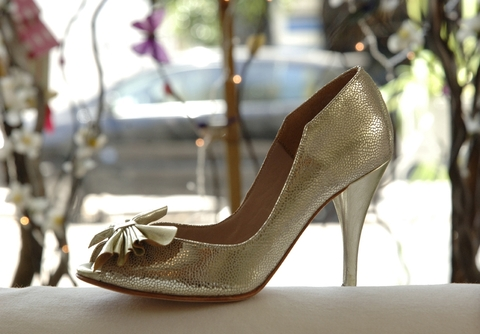 Flower Pumps Platino on internet