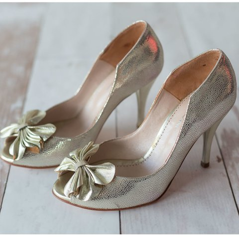 Image of Flower Pumps Platino