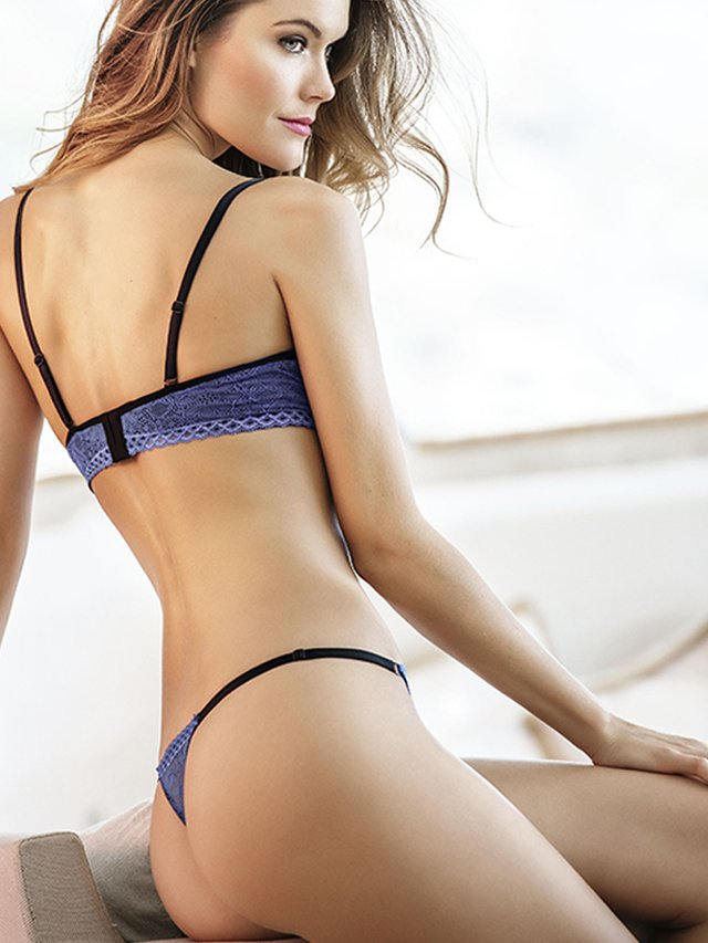 Brasier Push Up Encaje Azul. Kibys en internet