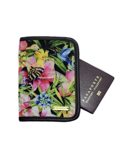 Passport Holder Exotic Birds. Meraldi