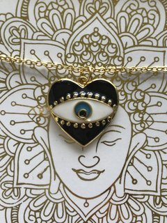 Collar Corazon ojo negro PROTECCION