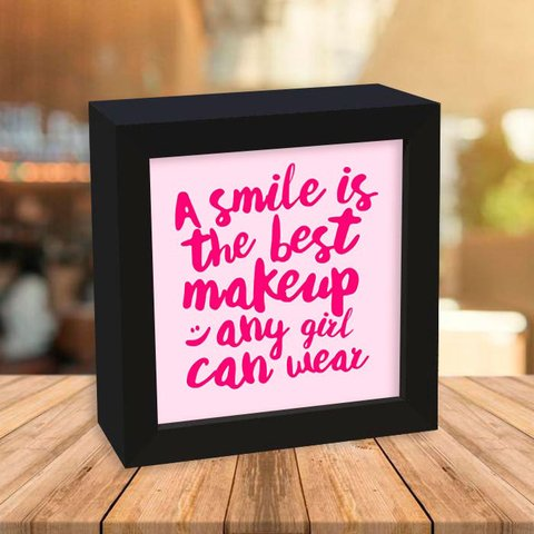 Quadro Box A Smile is the Best Makeup