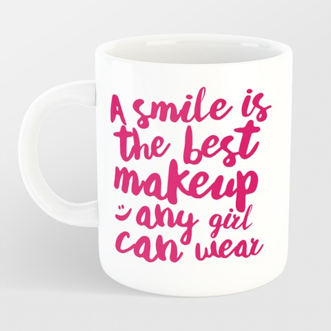 Caneca A smile is the best makeup na internet