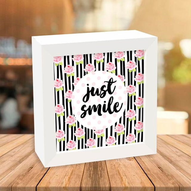 Quadro Box Just Smile - comprar online