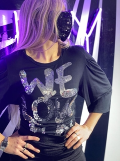 V21-4001 Remera We Love Fun