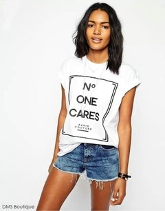 Camiseta No One Cares  branca