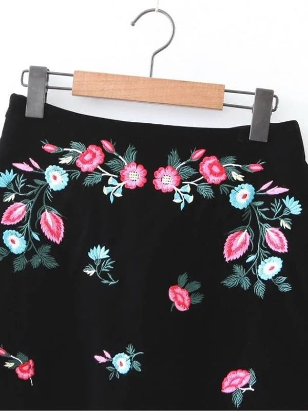 Mini Saia Floral Bordada - Ref.232 na internet