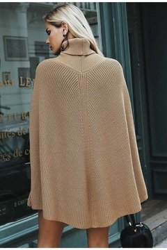 Suéter Poncho 2