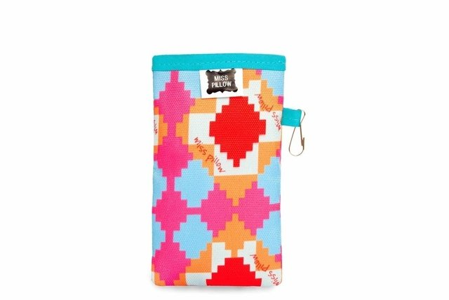 Funda celular con ganchito - Pampa - Miss Pillow
