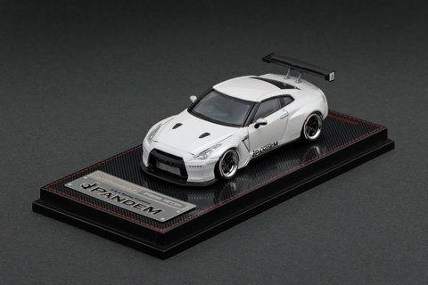 IGNITION MODEL 1:64 Pandem R35 GT-R Branco