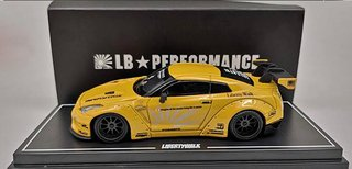 OEM 1:64 NISSAN GT-R R35 WING TAIL AMARELO
