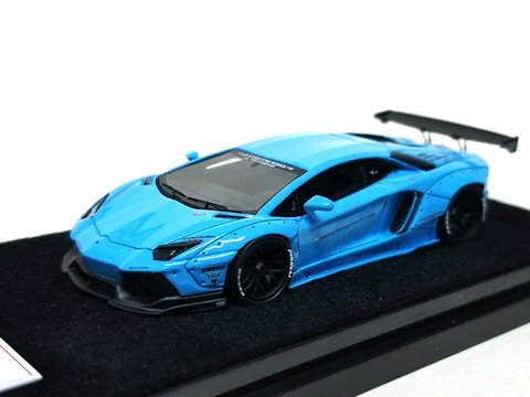 PRÉ VENDA Resina 1:64 LB Performance Lamborghini LP700-4 Aventador 2.0 Wide Body - Azul