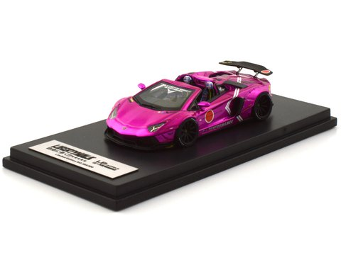 PC Club 1:64 Lamborghini Aventador Roadster Zero Fighter Flash Pink