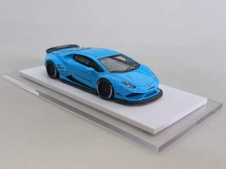 One Model 1:64 LB Performance Huracan LP610-4 Azul
