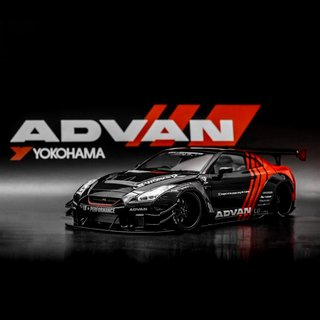 PRÉ VENDA PC Club 1:64 NISSAN GT-R 2.0 LB★PERFORMANCE - Advan
