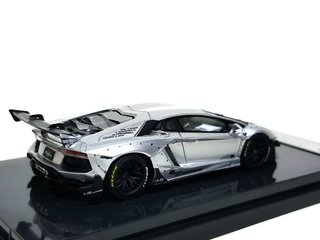 PRÉ VENDA Resina 1:64 LB Performance Lamborghini LP700-4 Aventador 2.0 Wide Body - Prata - buy online