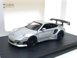 PC Club 1:64 Porsche 911 LB Performance Prata