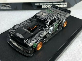 PRÉ VENDA YM Model 1:64 Ford Mustang Ken Block