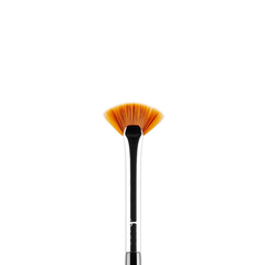 SIGMA E04 - LASH FAN BRUSH