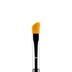 SIGMA E62 - CUT CREASE BRUSH