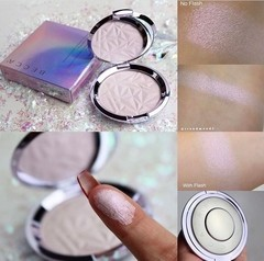 BECCA - SHIMMERING SKIN PERFECTOR PRESSED PRISMATIC AMETHYST HIGHLIGHTER