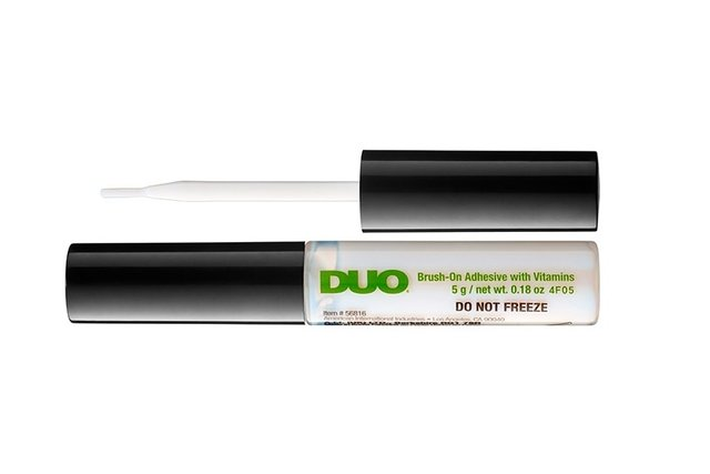 DUO BRUSH ON ADHESIVE - APTO OJOS SENSIBLES. PEGAMENTO SIN LATEX - comprar online