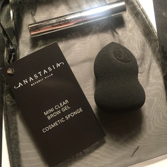 ANASTASIA BEVERLY HILLS - COSMETIC SPONGE + CLEAR BROW GEL TRAVEL SIZE SET - comprar online