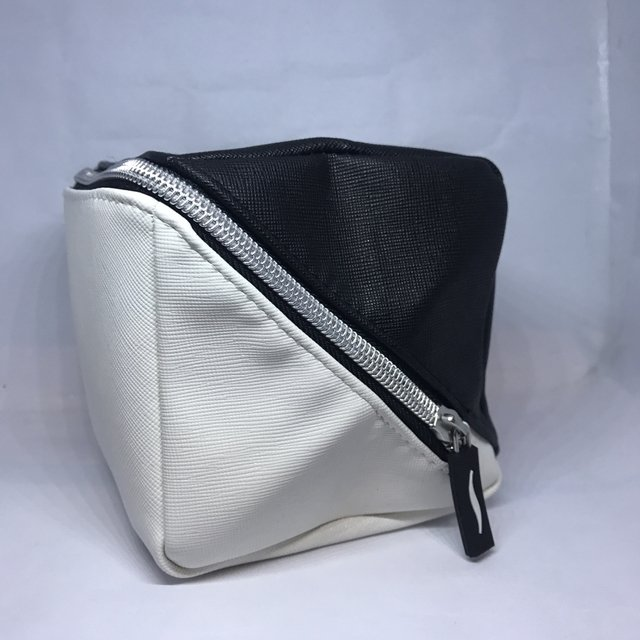 SEPHORA - BLACK & WHITE SQUARE COSMETIC BAG - comprar online