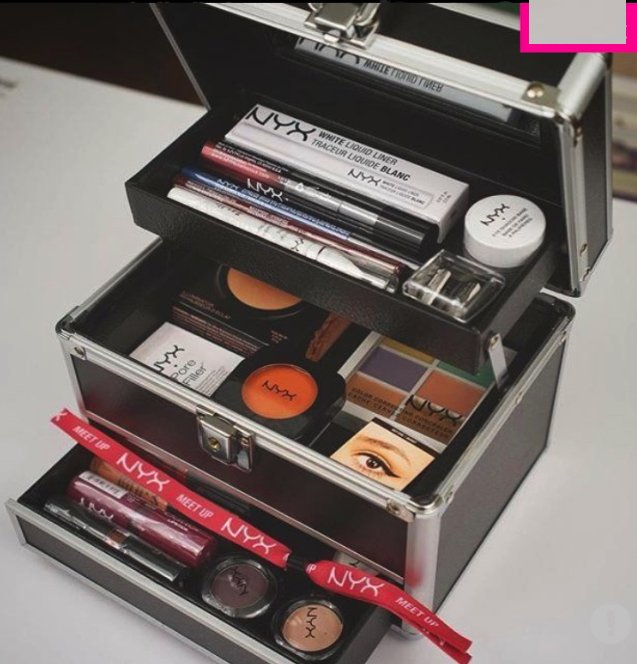 NYX TRAIN CASE MALETIN APERTURA PLEGABLE - EXCLUSIVO CON LLAVE - Vanity Shop