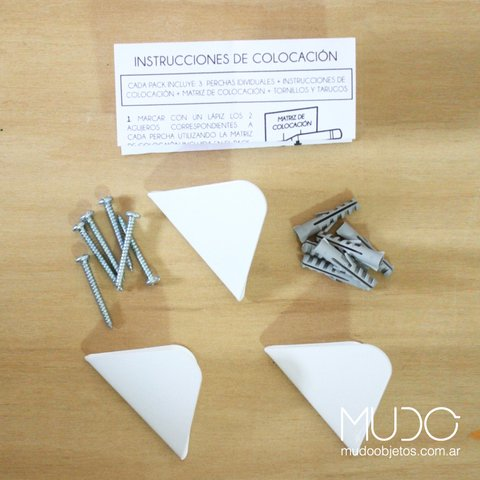 perchitas triangulares metalicas mudo objetos diseño decoracion perchas perchero