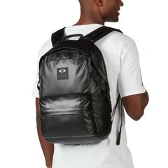 MOCHILA OAKLEY HOLBROOK 20 LX BACKPACK Blackout en internet