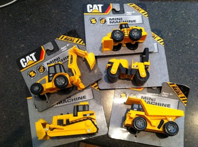 CAT mini machines, mini máquinas CATERPILLAR - Barrilete de Colores