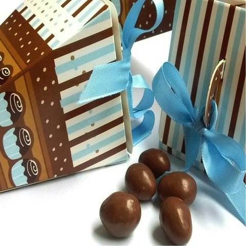 10 Conos con chocolates