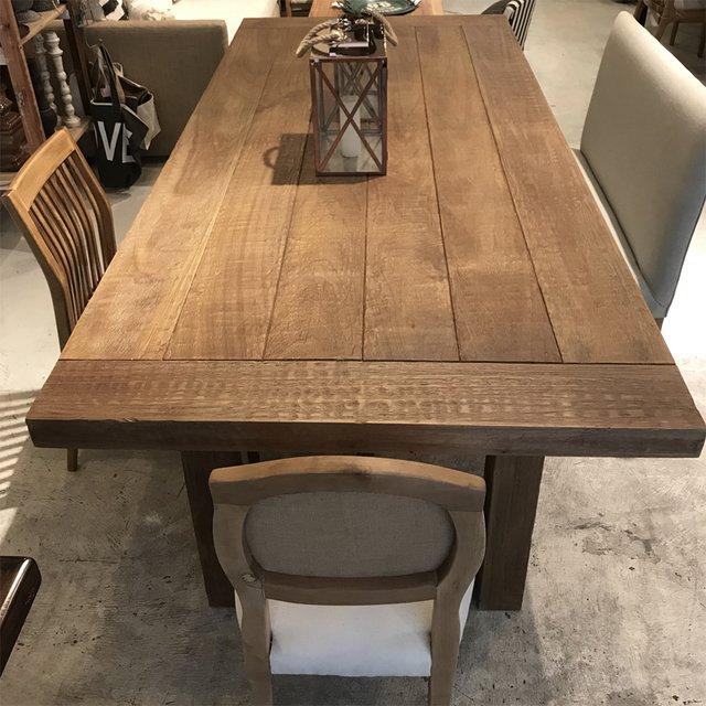 Mesa comedor madera maciza for Mesa comedor madera maciza