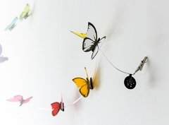 Guirnalda de mariposas para pared o cortinas con broches metálicos - At last! Crafts Iluminación