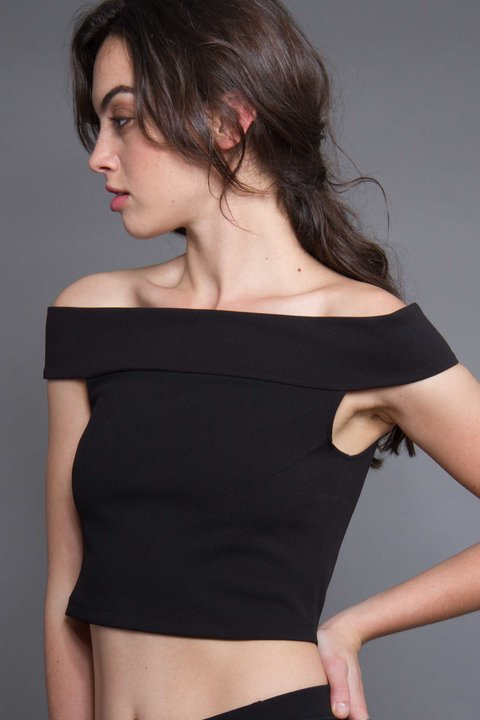 TOP STRAPLESS LIMA NEGRO