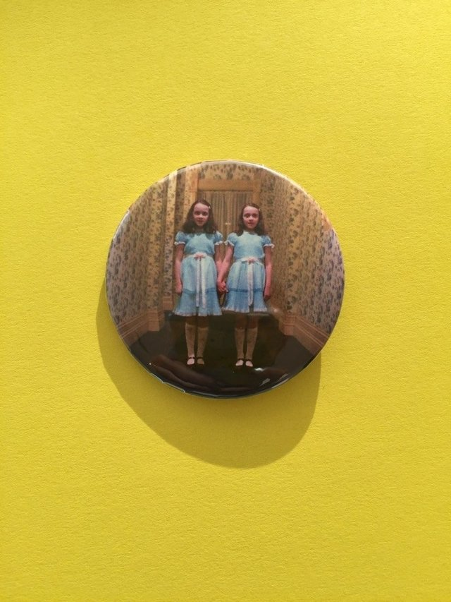 The shining twins pin - Dinosaurio