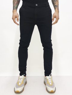PANTALON CHINO BACK TO BLACK en internet