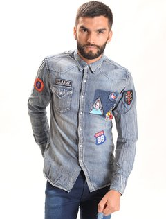 CAMISA JEAN PARCHES