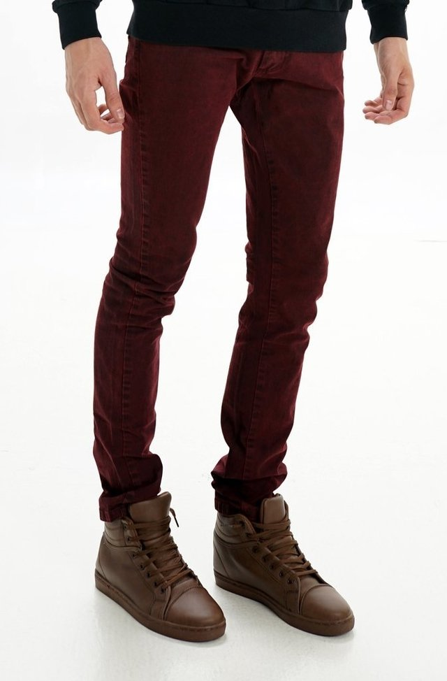 PANTALON GABARDINA BOLSILLO PLAQUE BORDO