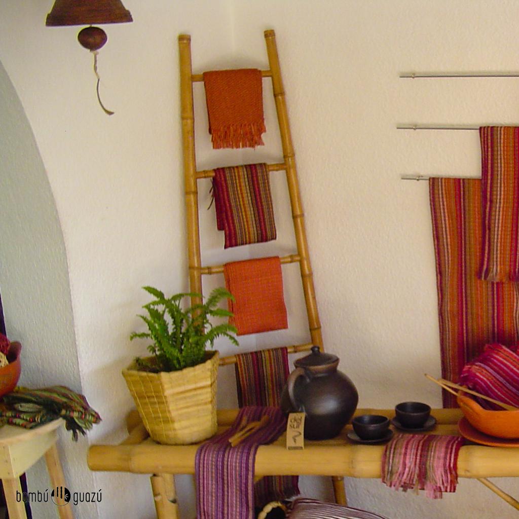 escalera de bamb dorada por unidad bambuguazu